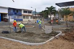 Alcaldía de Chone trabaja en construcciones de parques