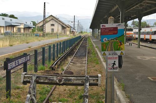spoorwegen fietsvakantie france station spoorlijn enveitg derderail