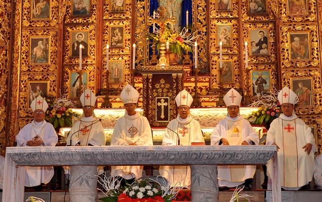 Phát Diệm: ba Đức Cha mới vinh quy bái tổ