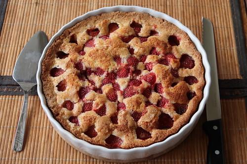 Sommerkuchen mit Erdbeeren (ganz)