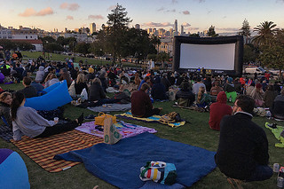 Film Night in the Park - Dolores Park Austin Powers gathering