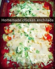 #freshlybaked #homemadebyme #chickenenchiladas  #mixla #tortillas #eatme #myfoodporn #micomida #queso