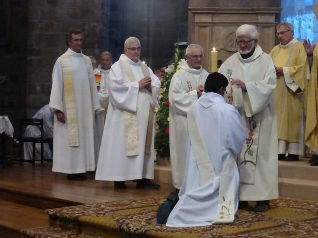 2017 06 25 Ordination presbyérale Manoj Visuvasam, cathédrale de Rodez (189)