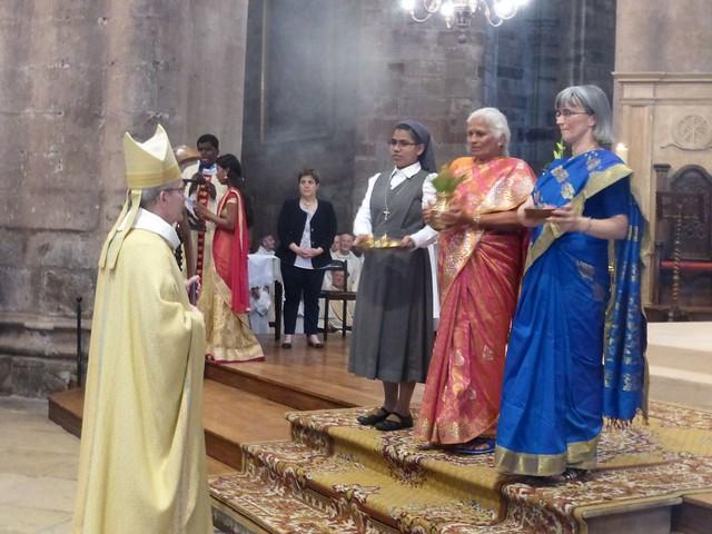 2017 06 25 Ordination presbyérale Manoj Visuvasam, cathédrale de Rodez (81)