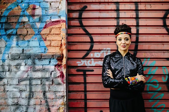 Roberta Estrela D'Alva é uma das poucas apresentadoras negras da televisão - Créditos: Divulgação/TV Cultura