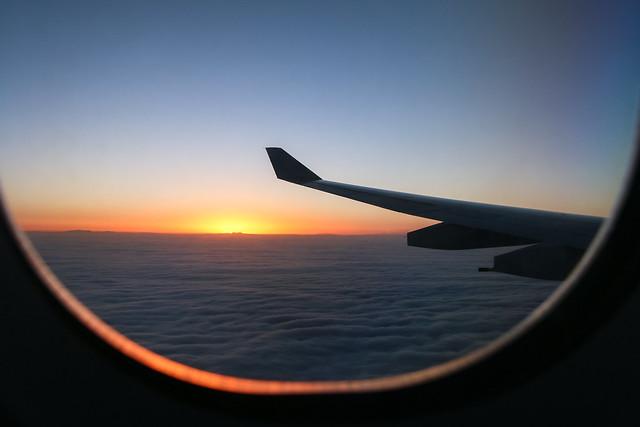 Sunset and sea of clouds on the way to Chengdu, China 中国、成都へ向かう途中で見た雲海と日の入り