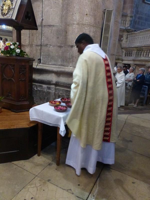 2017 06 25 Ordination presbyérale Manoj Visuvasam, cathédrale de Rodez (228)