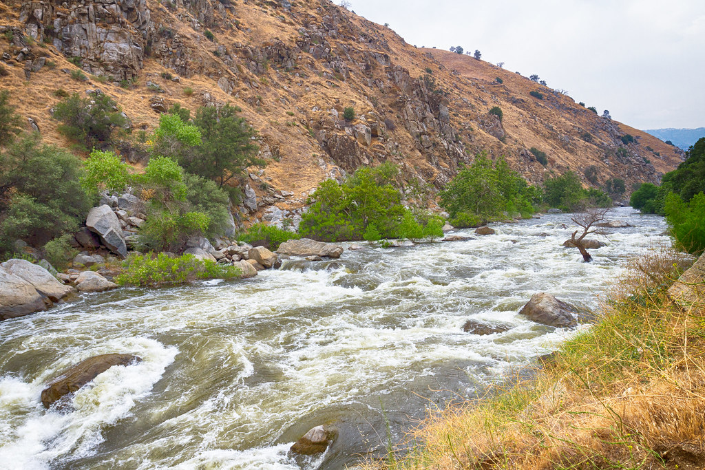 Kern River rapids along the canyon floor