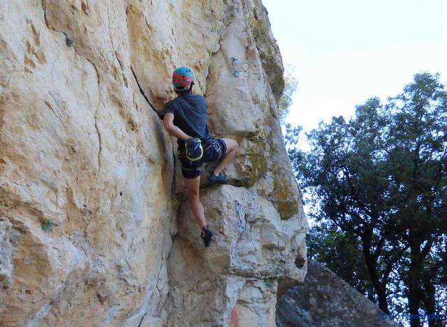 Antonio Serra - El Trío Calavera, 6a+_b -02- El Pla de Manlleu, Sector Vall de l'Infern, Subsector Can Llepaculs (02-07-2017)