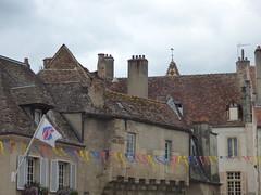 Rue de l'Ancienne Comédie, Semur-en-Auxois - Office de Tourisme - La Porte Guillier