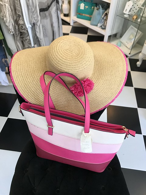 Muguette Boutique,  bag and hat