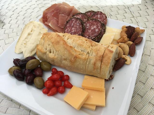 Cheese and charcuterie - Villa San-Juliette