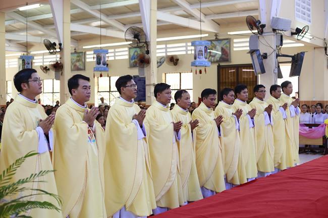 Gp Cần Thơ: Thánh Lễ Phong Chức Linh Mục