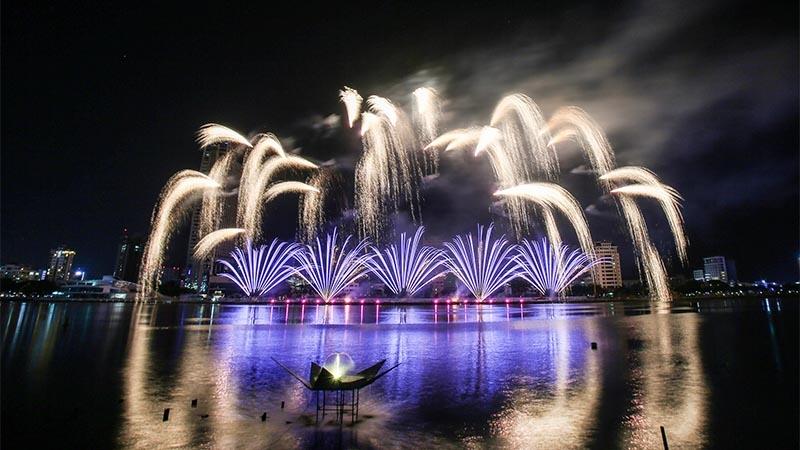 Đêm Thủy xứng đáng là đêm pháo hoa ấn tượng nhất  2