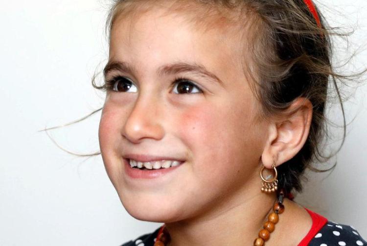 Christina 6 tuổi được Quân đội Irak giải thoát