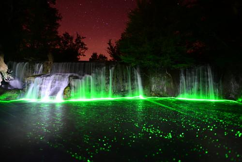 DAV_2132 Laser verde iluminando el Azud del Rio Guatizalema en Novales