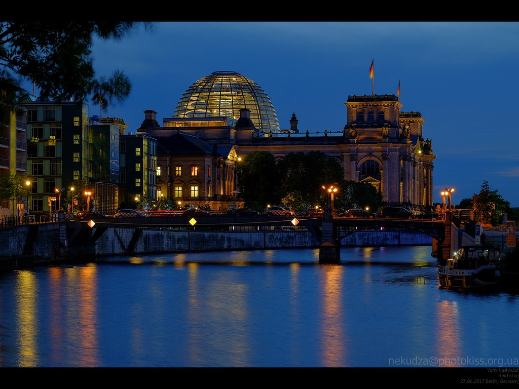 berlin_reichstag_evening1