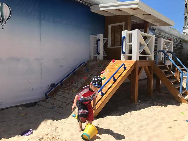 翰品酒店花蓮戶外泳池人造沙灘 (7)