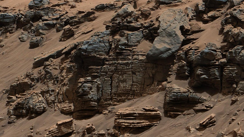 Curiosity Peels Back Layers on Ancient Martian Lake