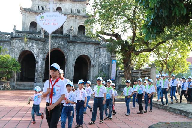 Phát Diệm: 7000 em thiếu nhi trong ngày gặp mặt truyền thống