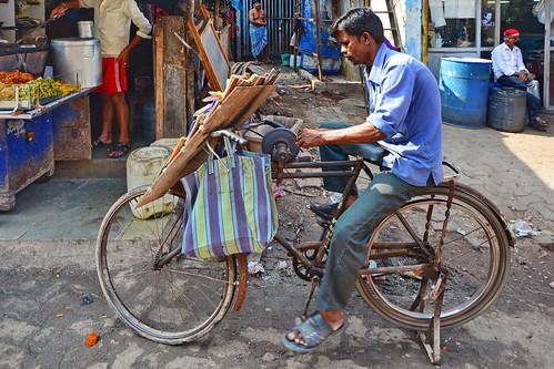 India - Maharashtra - Mumbai - Dharavi Slum - Knife Sharpener - 39
