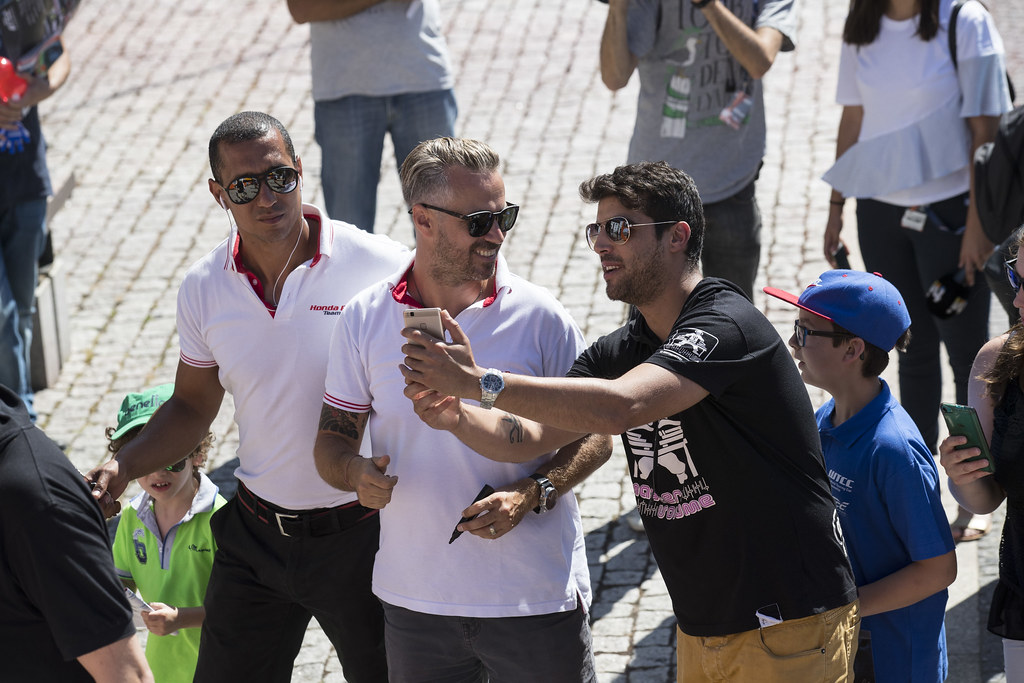 MONTEIRO Tiago (prt) Honda Civic team Castrol Honda WTC ambiance portrait fan supporter during the 2017 FIA WTCC World Touring Car Championship race of Portugal, Vila Real from june 23 to 25 - Photo Gregory Lenormand / DPPI