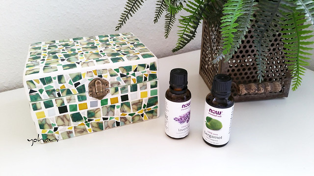 A polymer clay& glass tiles box for essential oil