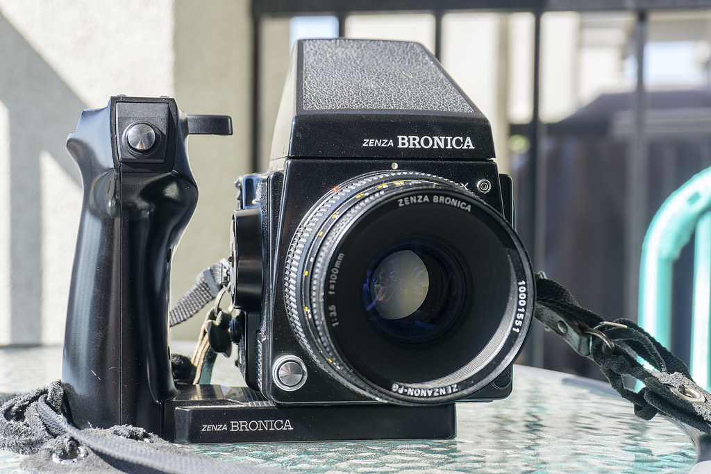 CCR Review 68 - Bronica GS-1