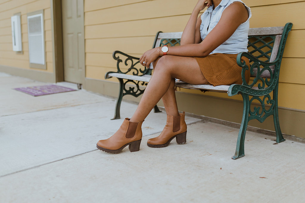 how to style Chelsea boots