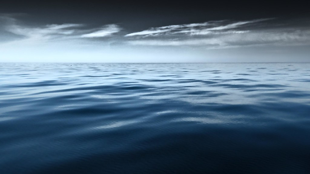 Dead calm at sea