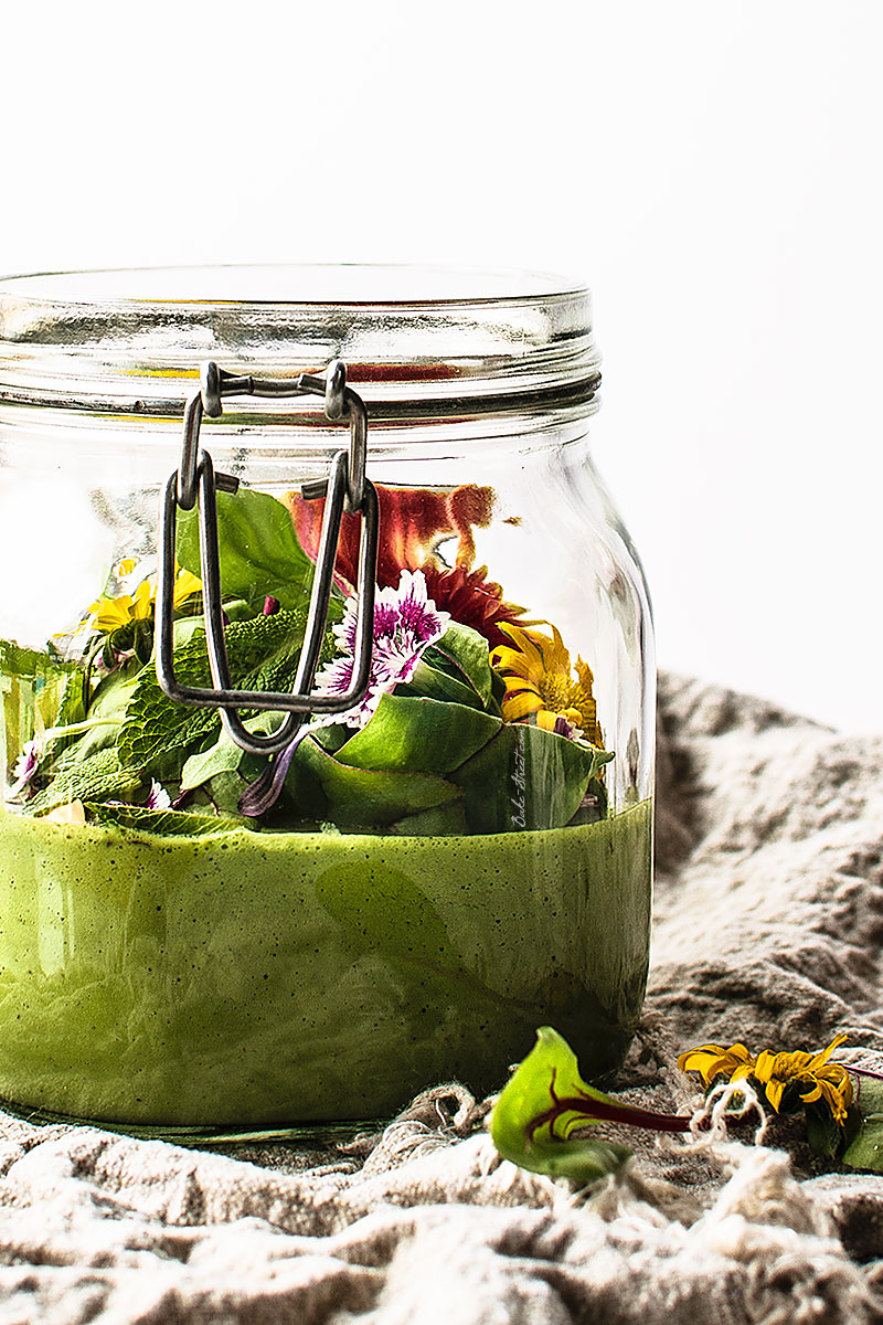 Gazpacho verde con frutos secos