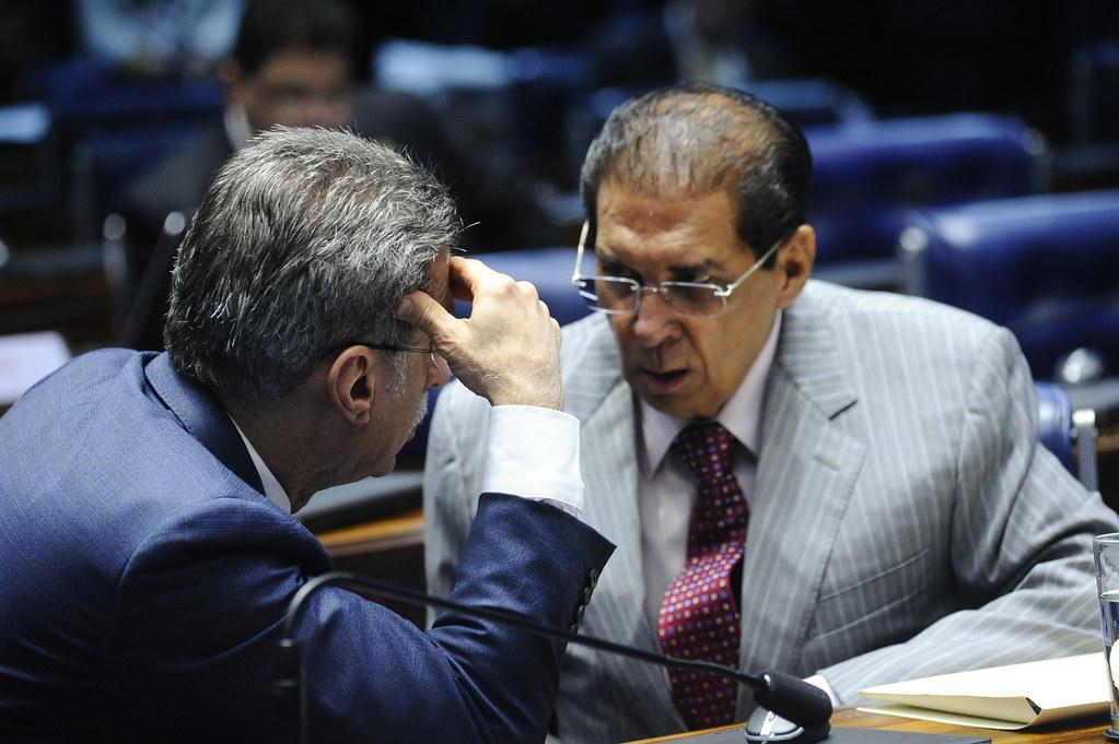 Doleiro entrega a Moro extratos bancários que beneficiaram Jader e Renan