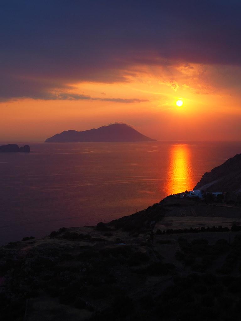 milos-auringonlasku