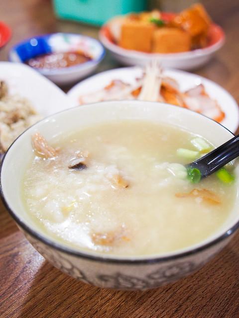 新北/板橋/中和–宵夜好選擇–莒光路香菇肉粥