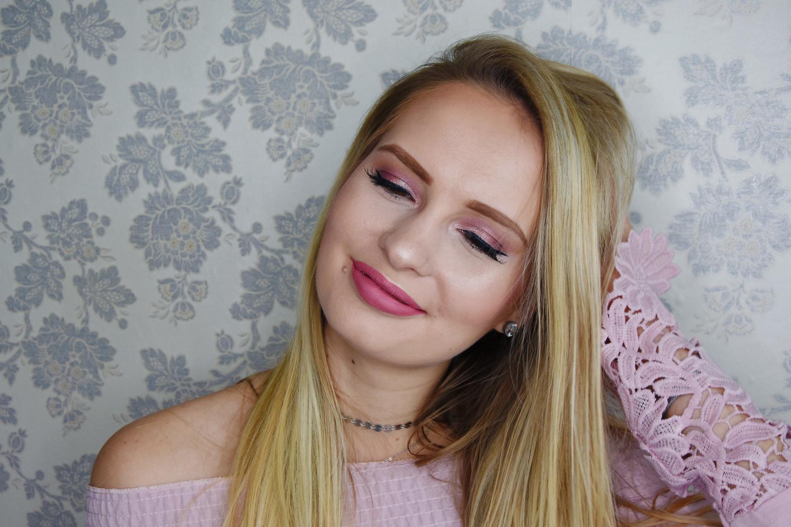 Summer wedding makeup look