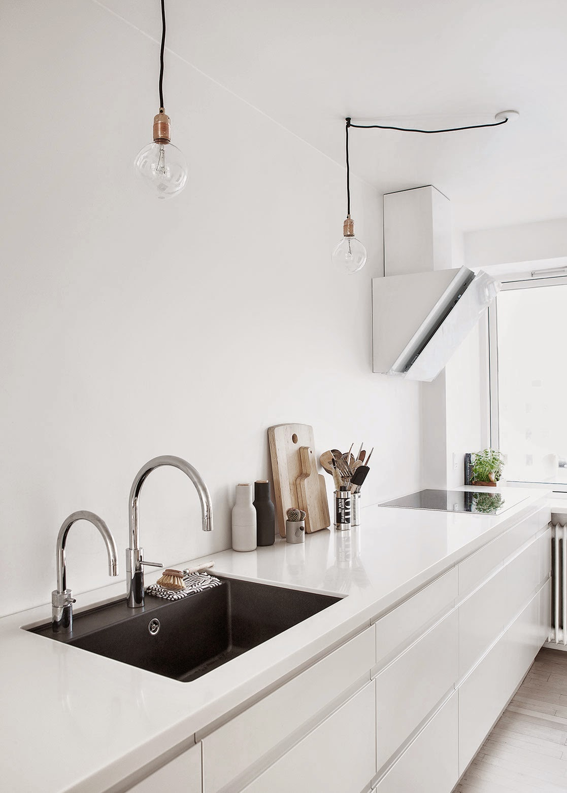 03-white-kitchen