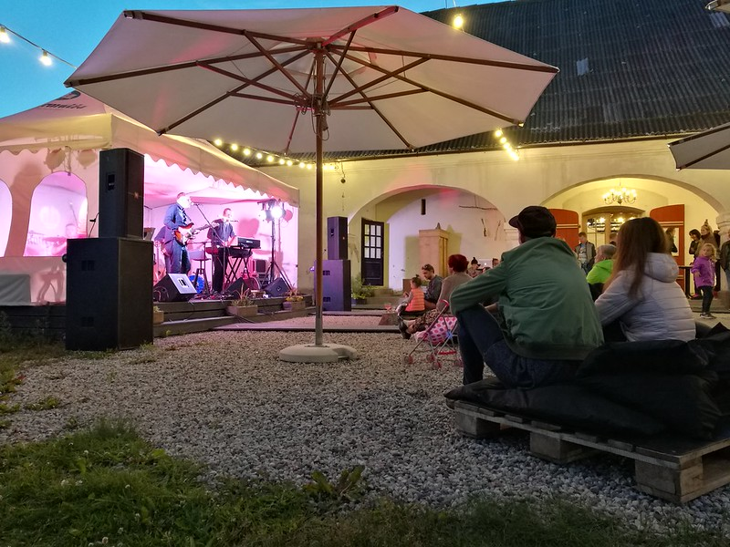satellites LV koncerts Valmiermuižas dzīvās mūzikas vakarā