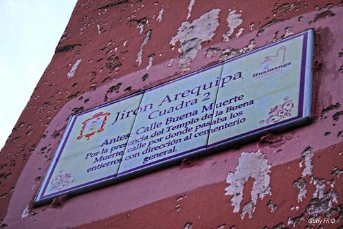 perú sudamérica huamanga ayacucho departamentoayacucho carteles calles callesdeayacuchoperú ciudadescolonialesdeaméricalatina muro signos señales señalización nombresdecalles cartelesindicadoresdecalles antiguo