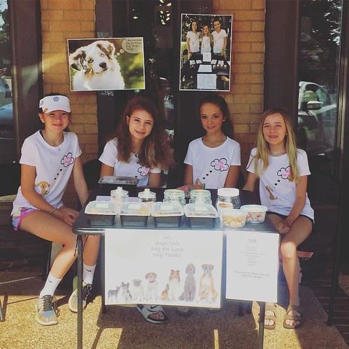 """These sweet girls are selling their """"Dig for LOVE"""" Dog Treats at the salon today!! Stop by & spoil your Pooch! 🐾🐶🐾🐶🐾 #choose901 #homemadedogtreats #digforlove"""