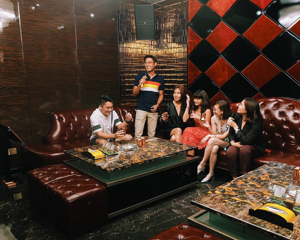 Ashark Club VIP Room Chinese Restaurant and KTV Bar