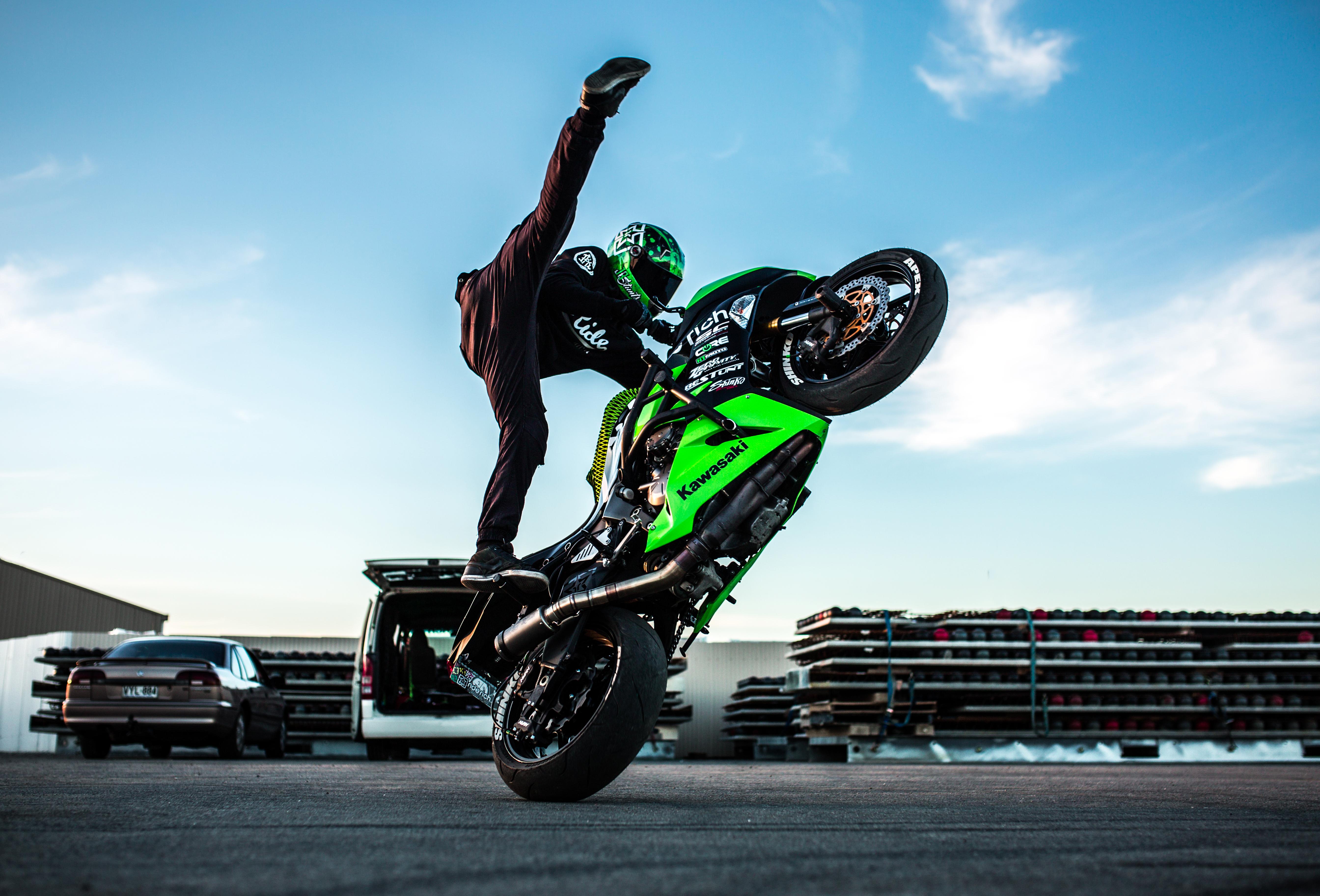 одна картинки мотоциклов для трюков службу спасения