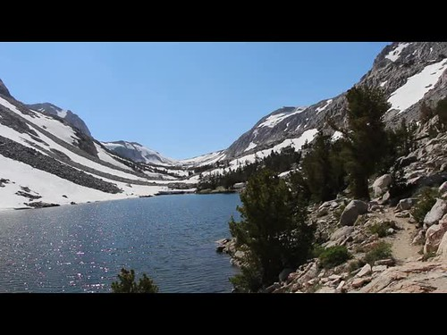 231 Panorama video of Loch Leven on the Paiute Pass Trail