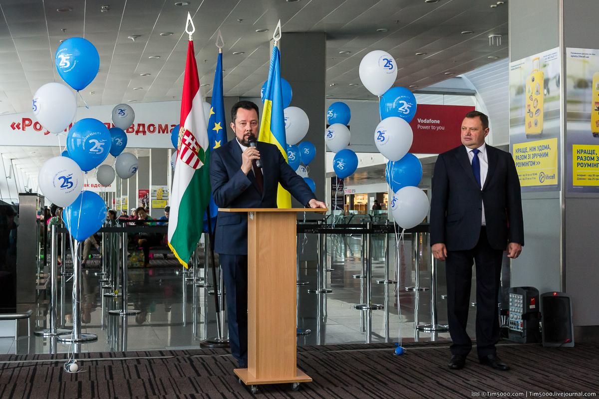 Президент Международных Авиалиний Украины Юрий Мирошников