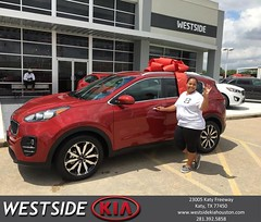 Congratulations Irlanda on your #Kia #Sportage from Orlando Baez at Westside Kia!