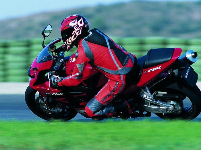 Honda CBR 900 RR FIREBLADE 2003 - 15