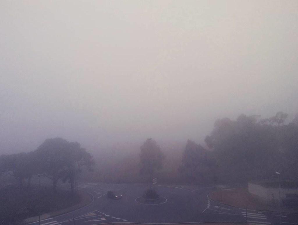 Así termina el día más caluroso de lo que llevamos de verano en Coruña. La clásica #niebla. #fog #photography #phonephoto #Coruña