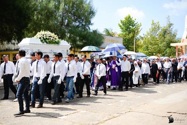 Lễ An Táng Thân Phụ Đức TGM Giuse Nguyễn Chí Linh - Ảnh minh hoạ 15