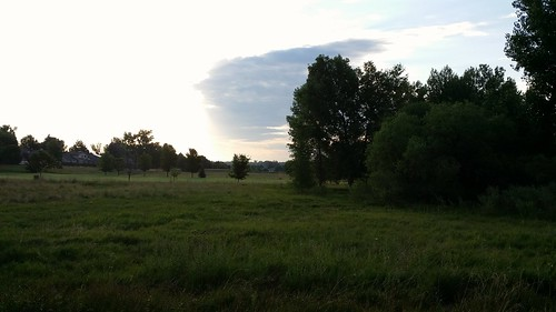 #tommw 68F mostly cloudy. Calm