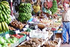 Früchte der Insel auf dem Markt in Funchal auf Madeira. Foto: Günther Härter.