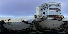 The small beach at Tonggs at the far east end of Waikiki promenade - a 360° Equirectangular VR (VUZE 3D VR)